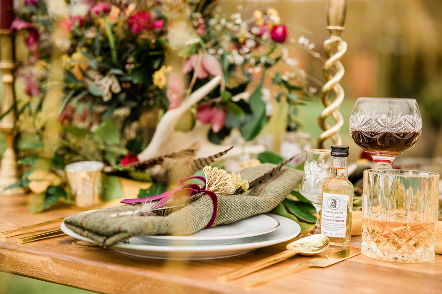 English country wedding styling ideas with a rural twist from Hannah Buckland Photography (4)