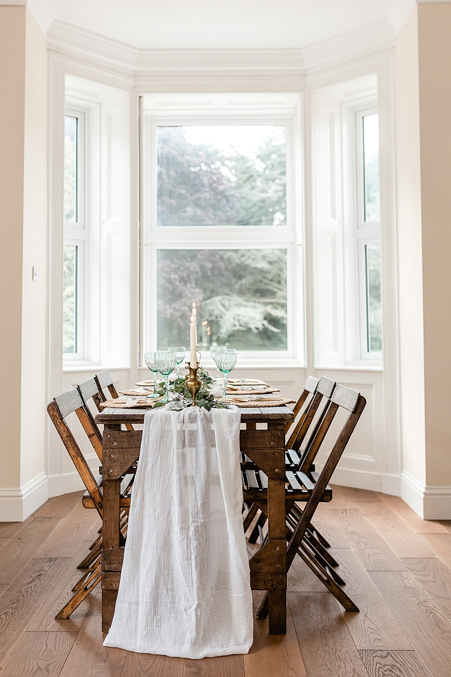 Neutral organic and minimal wedding style ideas from Kingsdown Rectory. Styling Your Wedding Your Way Images Kate Hennessey Photography (42)