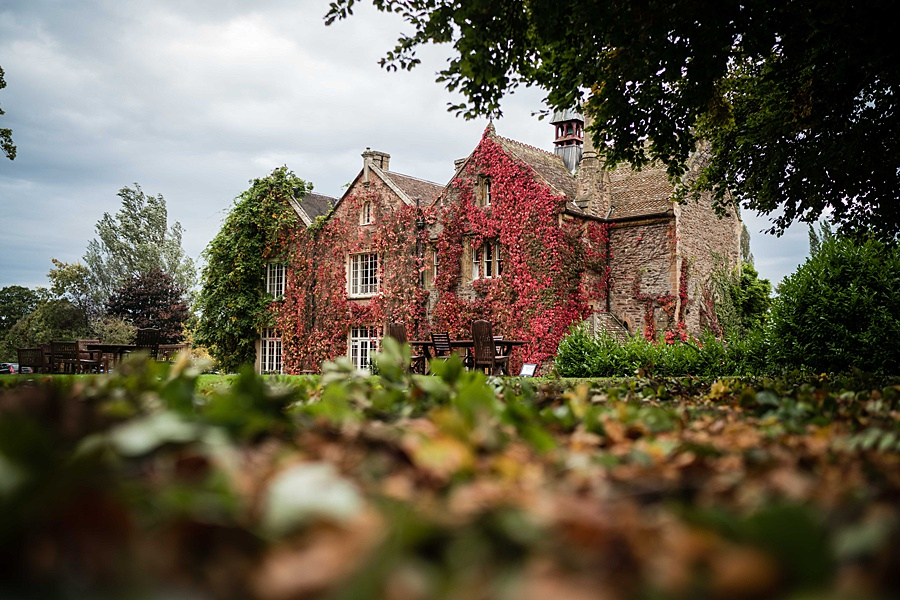 Maunsel House in Somerset - see inside a real wedding with Linus Moran Photography (3)