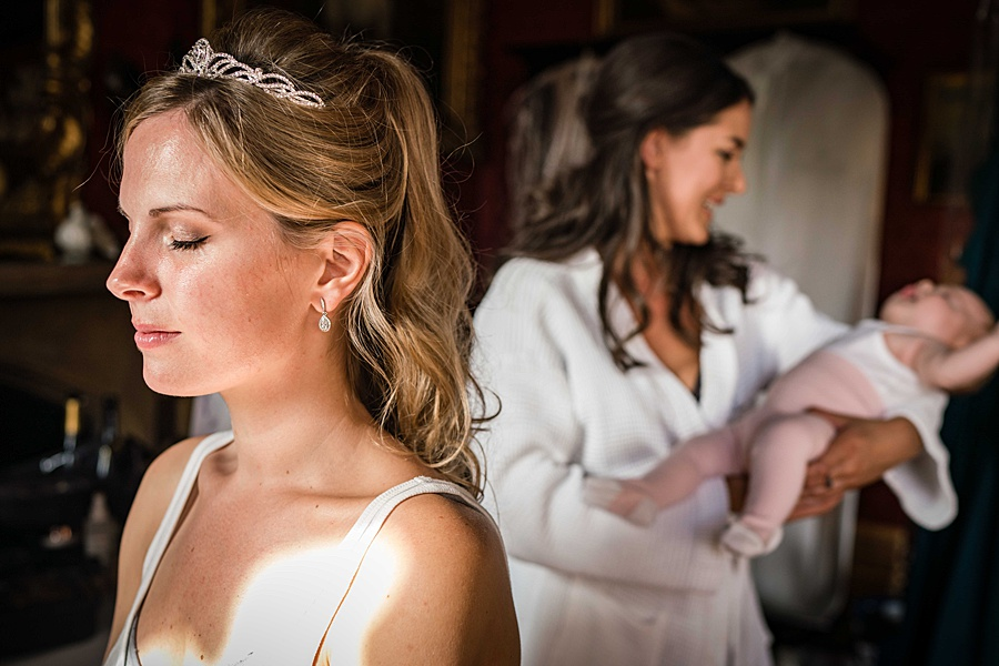 Maunsel House in Somerset - see inside a real wedding with Linus Moran Photography (10)