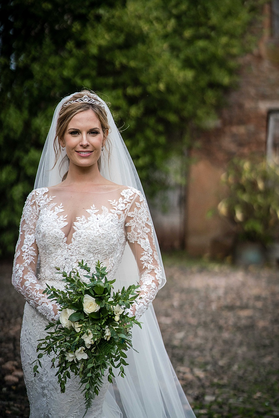 Maunsel House in Somerset - see inside a real wedding with Linus Moran Photography (46)