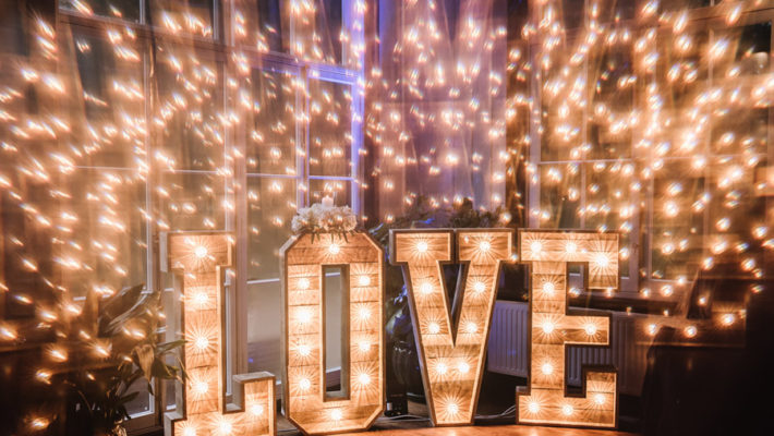 Peacock wedding styling ideas at Larmer Tree Gardens, image credit Oobaloos Photography (30)