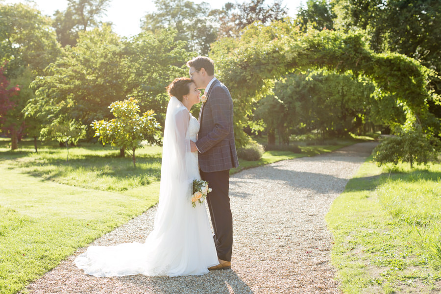 Elegant styling and sparkly tables for a pretty Chippenham Park wedding, images by Heather Jackson Photography (12)