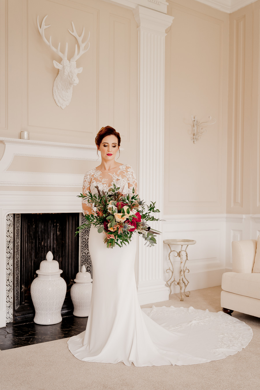 Elegance and glamour, Vanity Fair style. A styled wedding photoshoot from Davenport House. Image Laura May Photography (18)