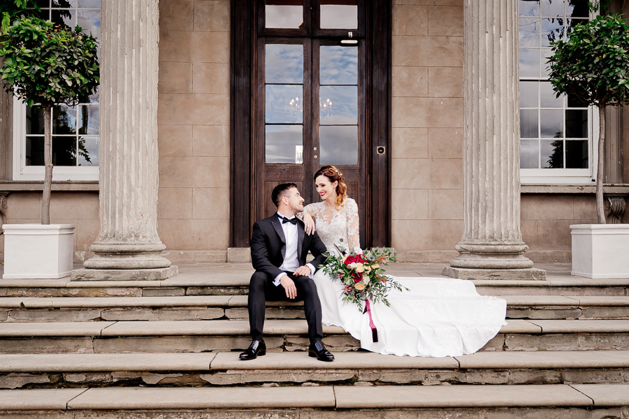 Elegance and glamour, Vanity Fair style. A styled wedding photoshoot from Davenport House. Image Laura May Photography (32)