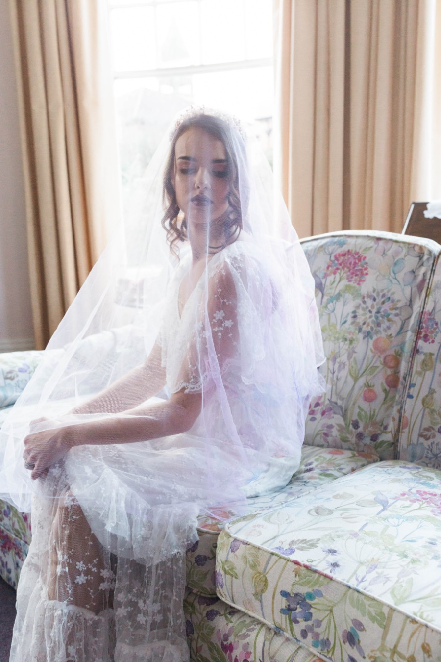 alternative vintage bridal style with Courage and Dash Photography (16)