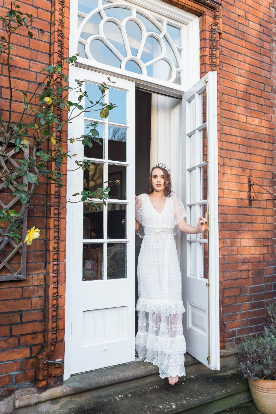 alternative vintage bridal style with Courage and Dash Photography (30)