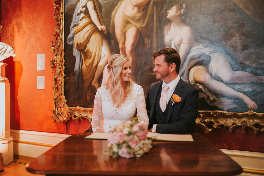 Ginger and Jamie's Ashmolean Museum wedding in Oxford, photo credit MT Studio Photography (19)