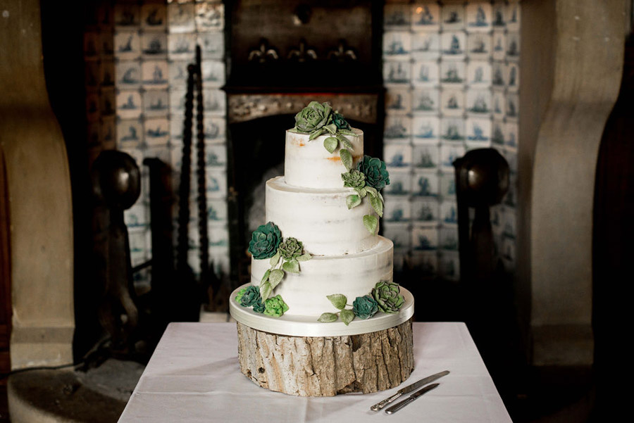 Beautiful festive wedding styling with greenery, image by Nicola Norton Photography (5)