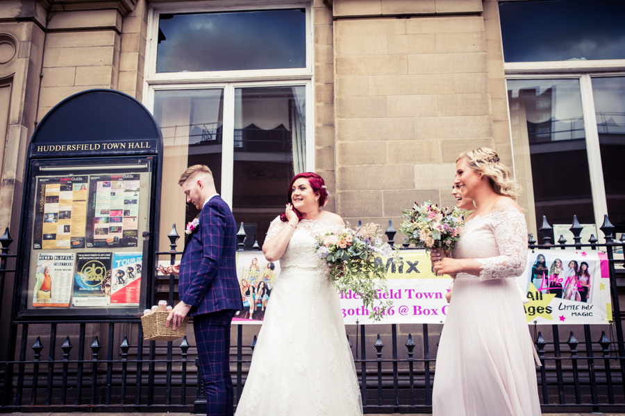 Gorgeous mixed summer florals for a romantic countryside wedding near Huddersfield, with Photography by Kathryn (12)