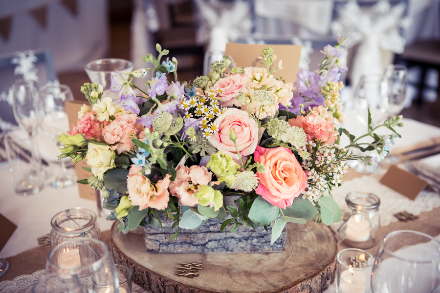 Gorgeous mixed summer florals for a romantic countryside wedding near Huddersfield, with Photography by Kathryn (20)