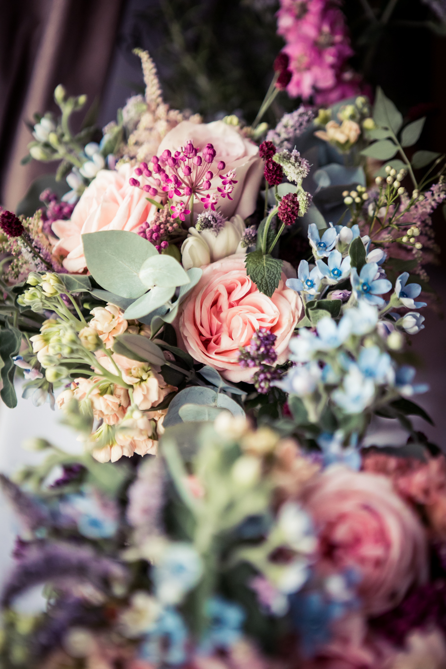 Gorgeous mixed summer florals for a romantic countryside wedding near Huddersfield, with Photography by Kathryn (10)