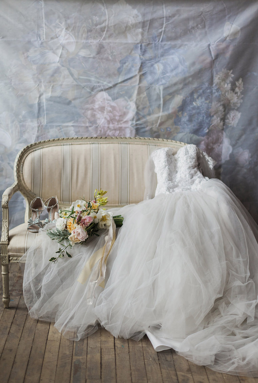 Spring Florals with Jo Bradbury Photography featured on English Wedding (11)