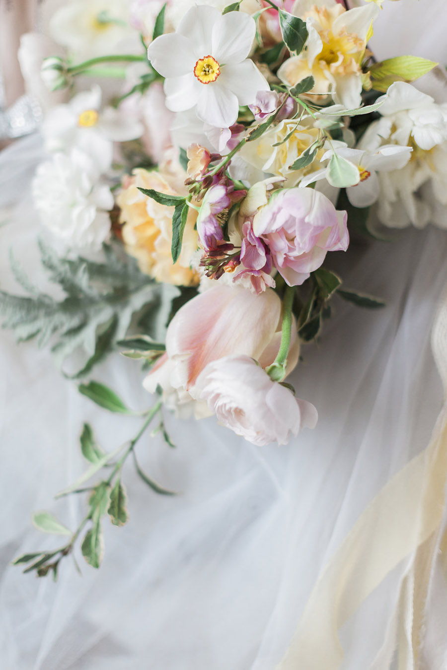 Spring Florals with Jo Bradbury Photography featured on English Wedding (12)