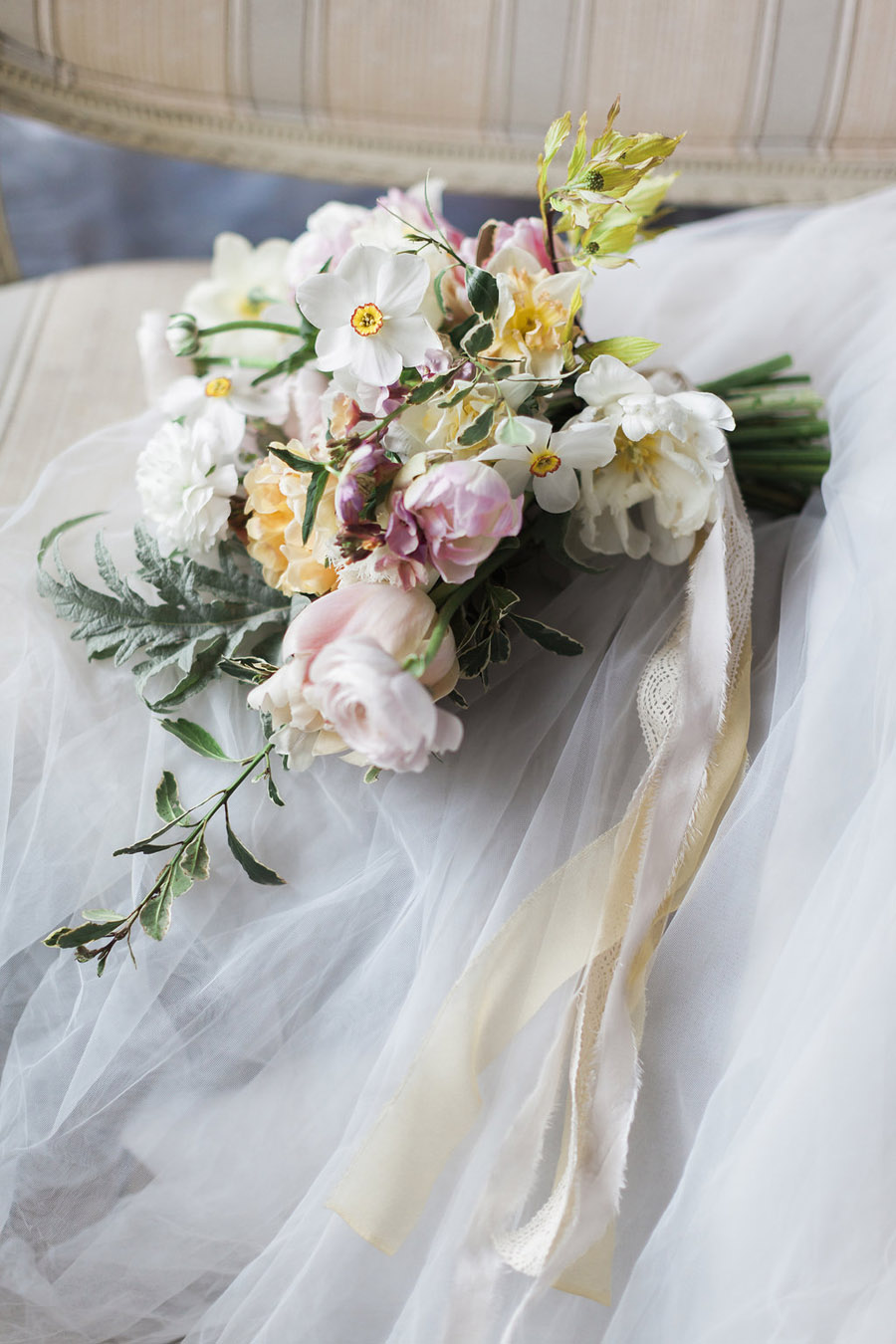 Spring Florals with Jo Bradbury Photography featured on English Wedding (13)
