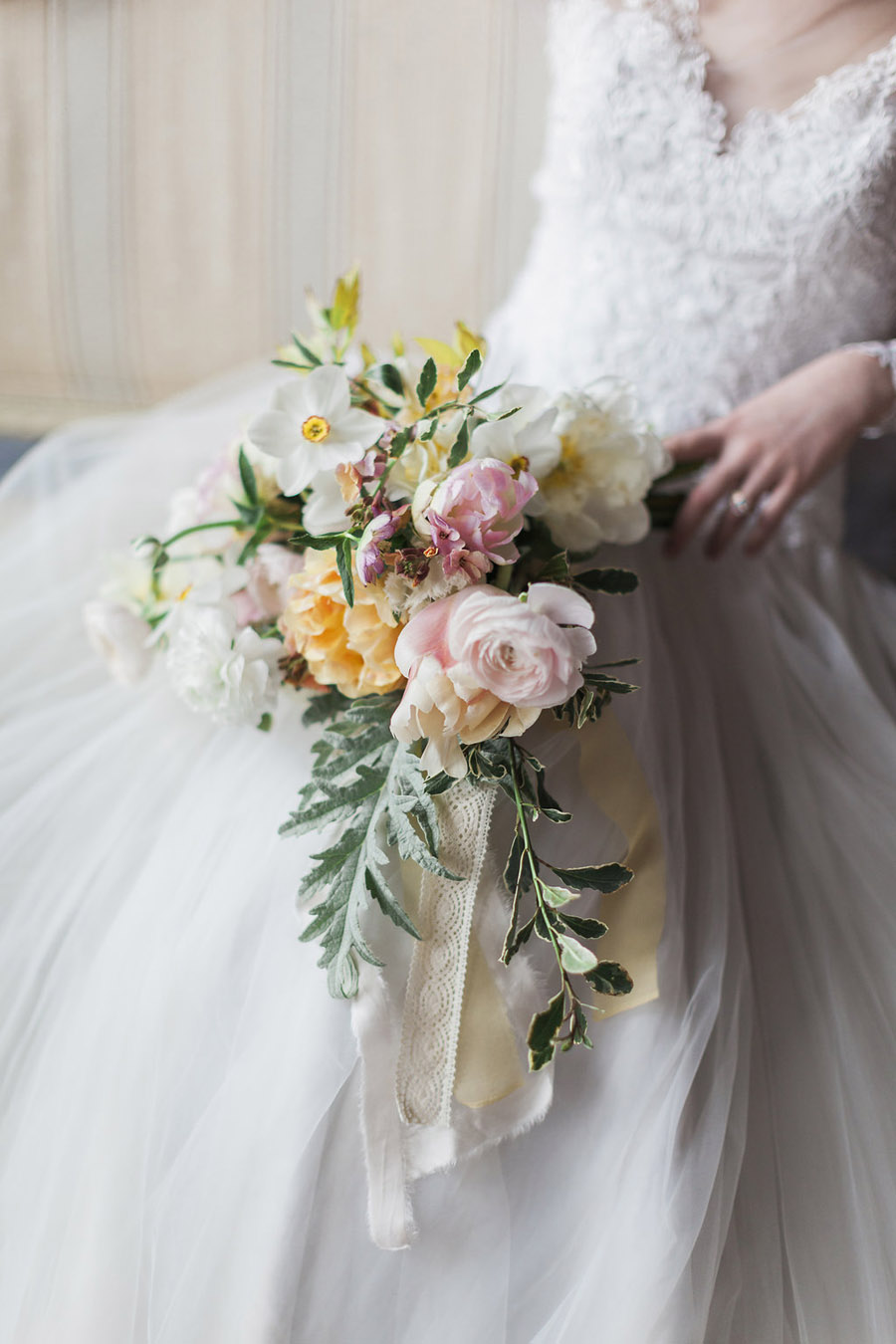 Spring Florals with Jo Bradbury Photography featured on English Wedding (15)