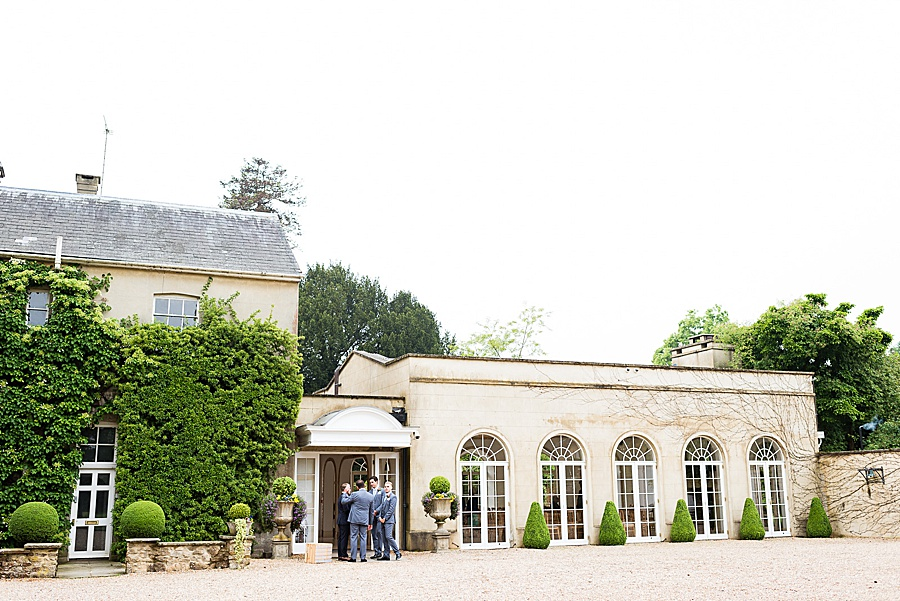 Elegant and summery Northbrook Park wedding with Fiona Kelly Photography (9)