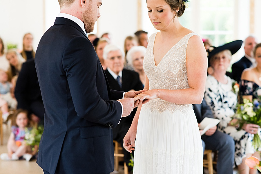 Elegant and summery Northbrook Park wedding with Fiona Kelly Photography (15)