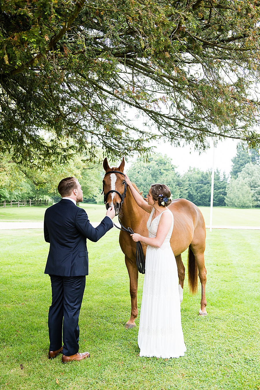 Elegant and summery Northbrook Park wedding with Fiona Kelly Photography (18)