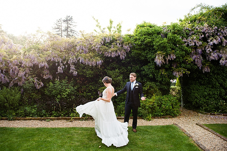Elegant and summery Northbrook Park wedding with Fiona Kelly Photography (34)