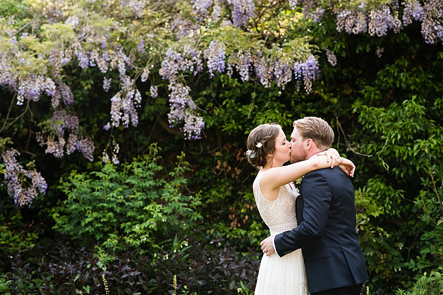 Elegant and summery Northbrook Park wedding with Fiona Kelly Photography (35)