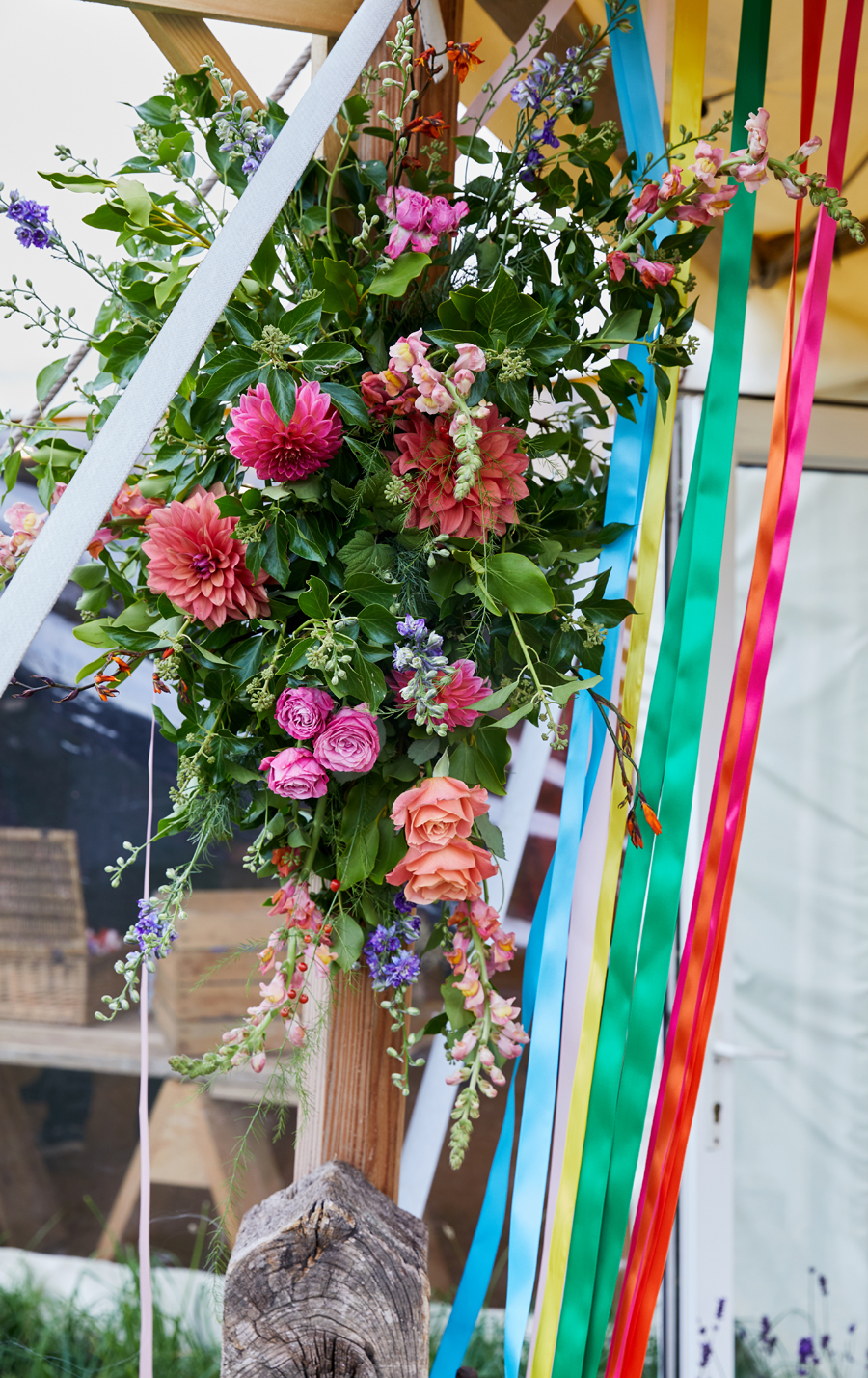 Vibrant ribbon streamers for a summer festival wedding with Simon Withyman Photography (29)