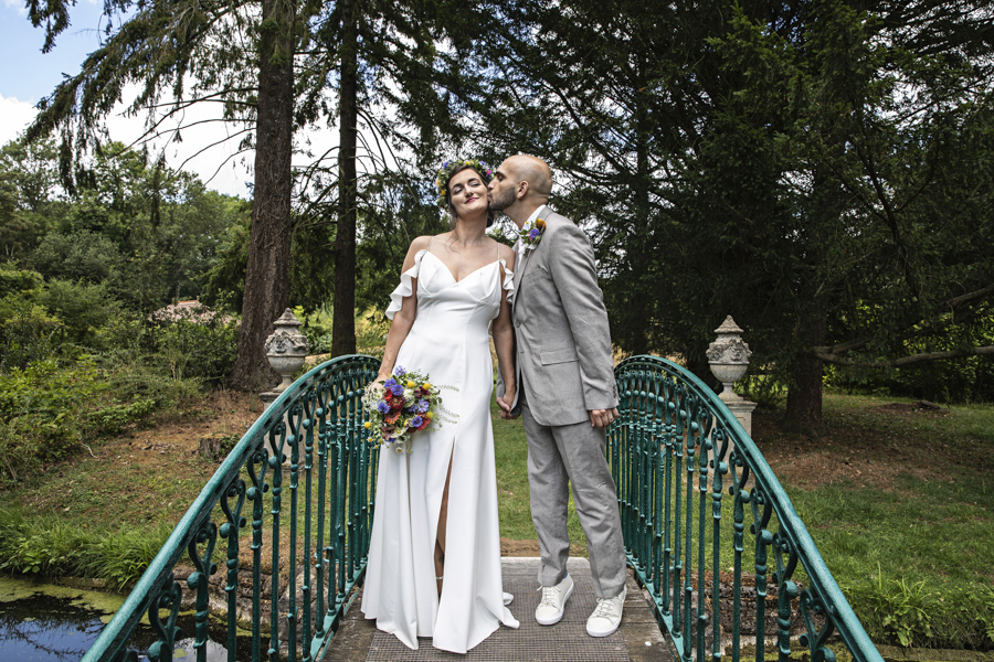 Andreia and Antonio's relaxed and fun wedding at Shuttleworth Swiss Garden with Lorna Newman Wedding Photography (7)