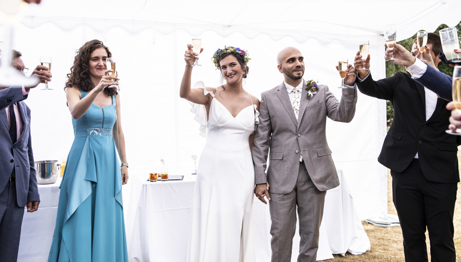 Andreia and Antonio's relaxed and fun wedding at Shuttleworth Swiss Garden with Lorna Newman Wedding Photography (34)