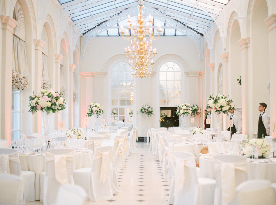 Light and airy, romantic images from a blogger's dream wedding at Blenheim Palace! Photo credit Julie Michaelsen Photography (17)