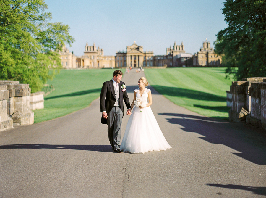 Light and airy, romantic images from a blogger's dream wedding at Blenheim Palace! Photo credit Julie Michaelsen Photography (47)