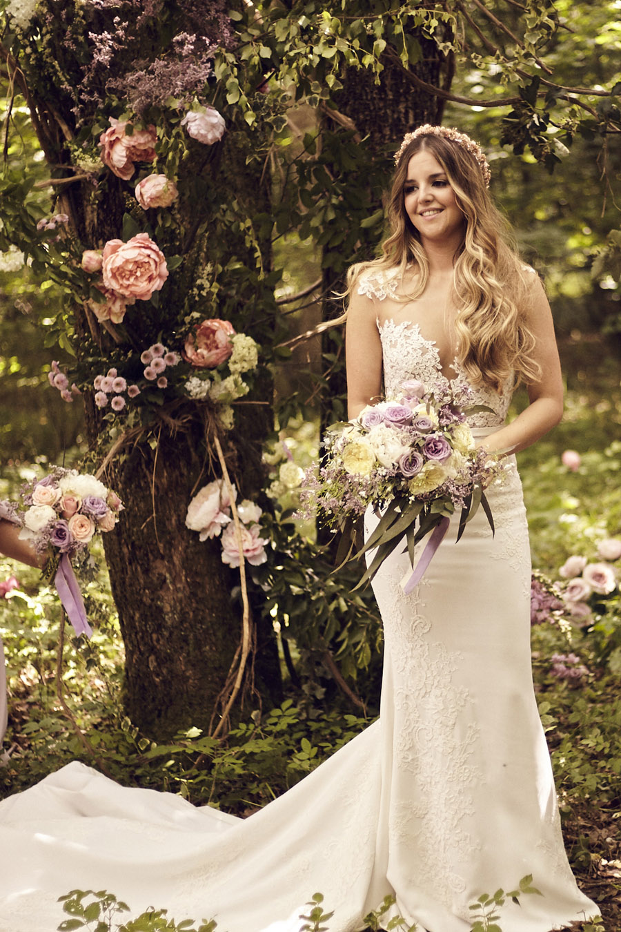 Styled woodland wedding in Sussex, image credit Something Blue Weddings (5)