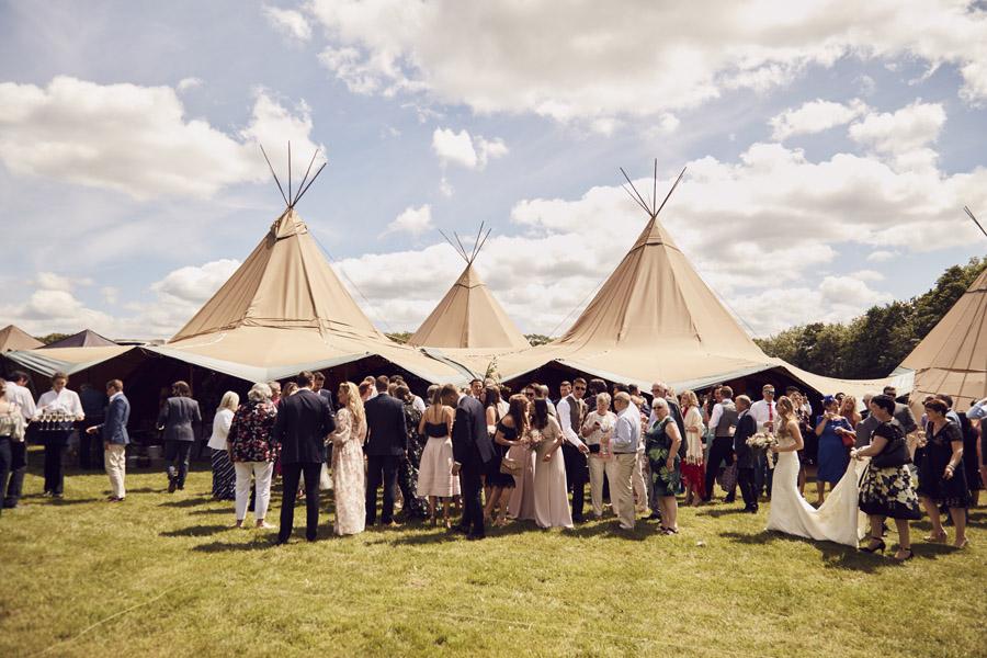 Styled woodland wedding in Sussex, image credit Something Blue Weddings (6)