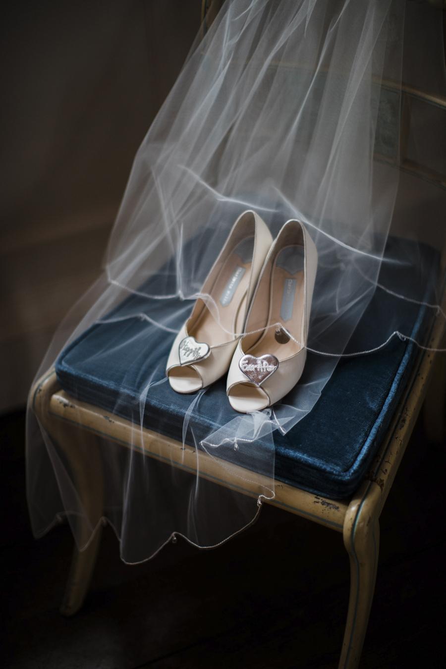 Rachel & Ben's beautiful Iscoyd Park wedding with Anna Beth Photography (7)