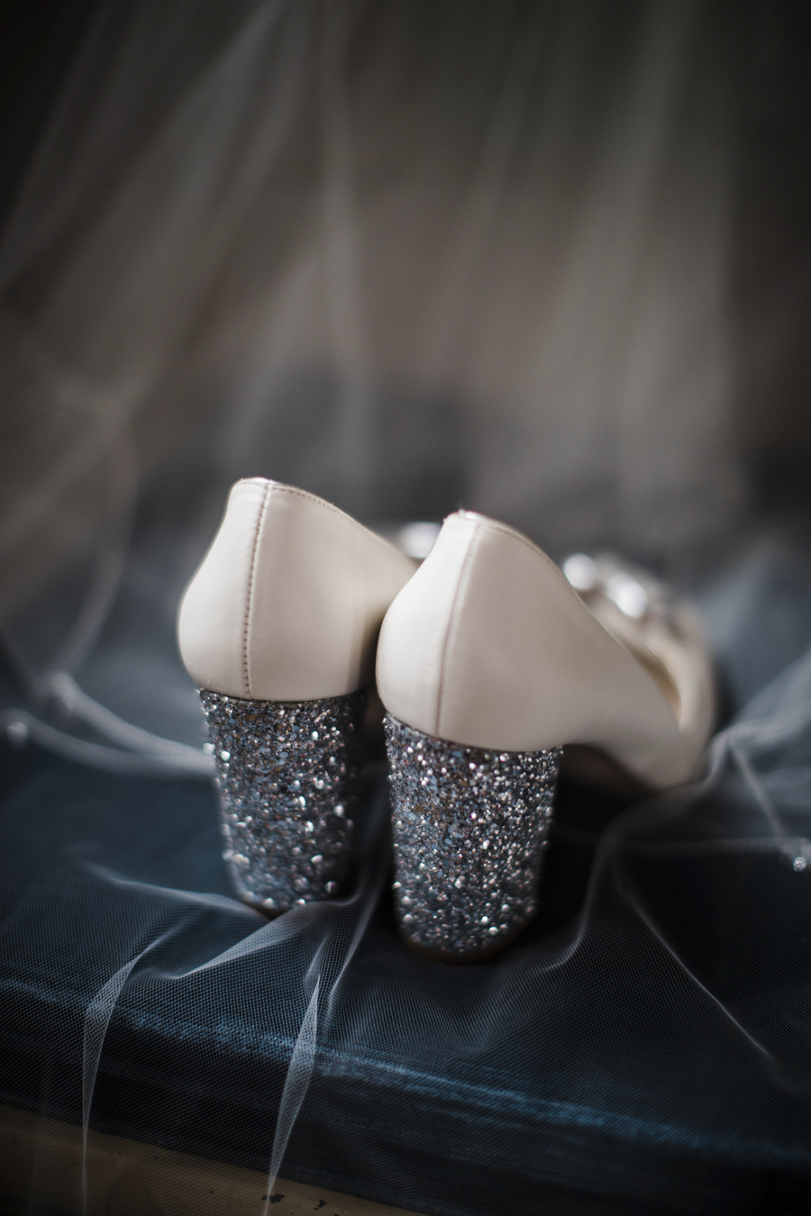 Rachel & Ben's beautiful Iscoyd Park wedding with Anna Beth Photography (8)