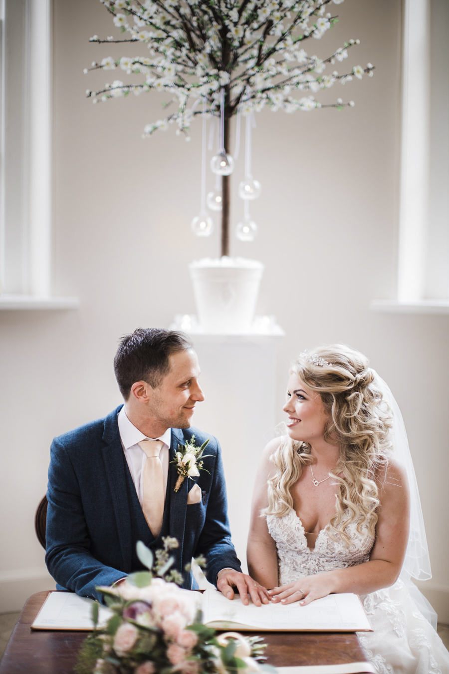 Rachel & Ben's beautiful Iscoyd Park wedding with Anna Beth Photography (20)