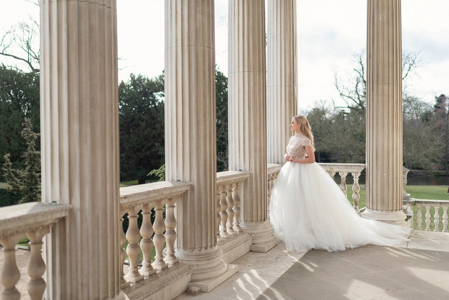 Elegant and graceful luxe wedding style from Chiswick House, photo credit Eva Tarnok Photography (4)