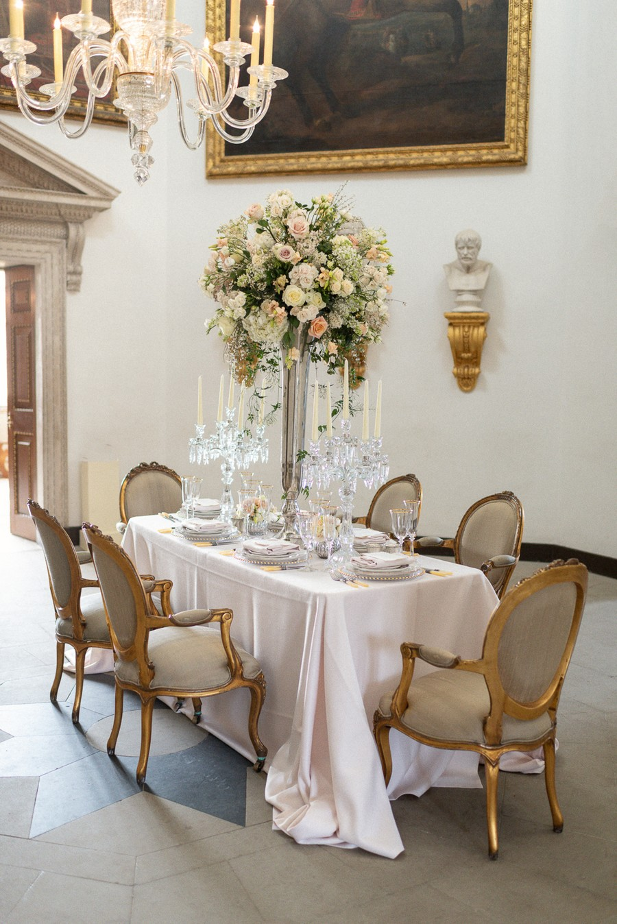 Elegant and graceful luxe wedding style from Chiswick House, photo credit Eva Tarnok Photography (8)