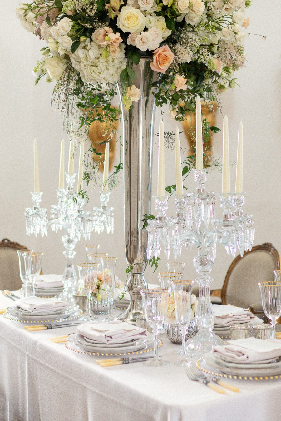 Elegant and graceful luxe wedding style from Chiswick House, photo credit Eva Tarnok Photography (9)