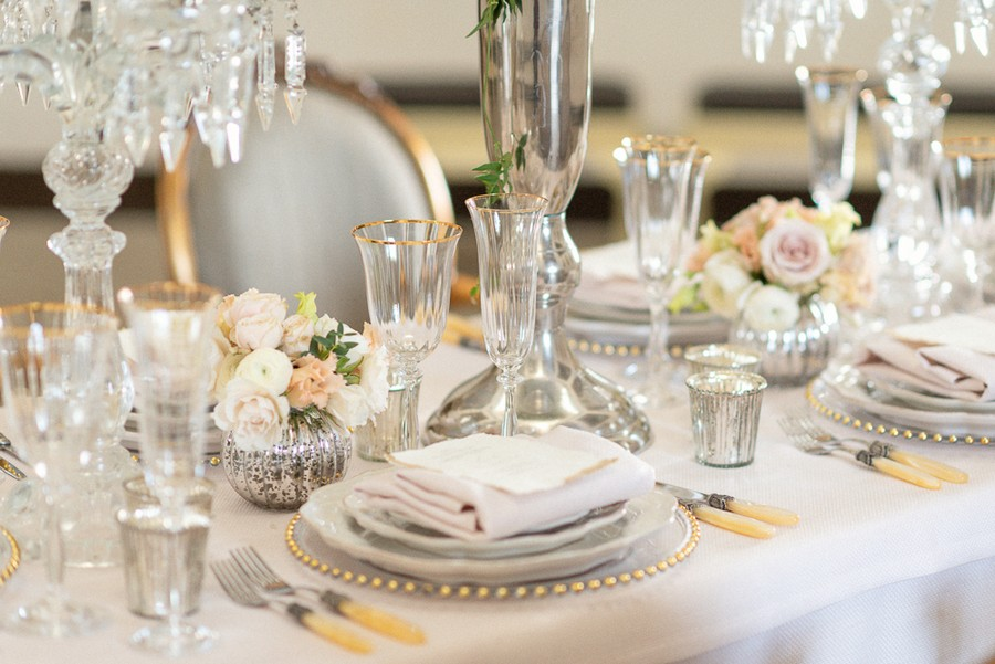 Elegant and graceful luxe wedding style from Chiswick House, photo credit Eva Tarnok Photography (10)