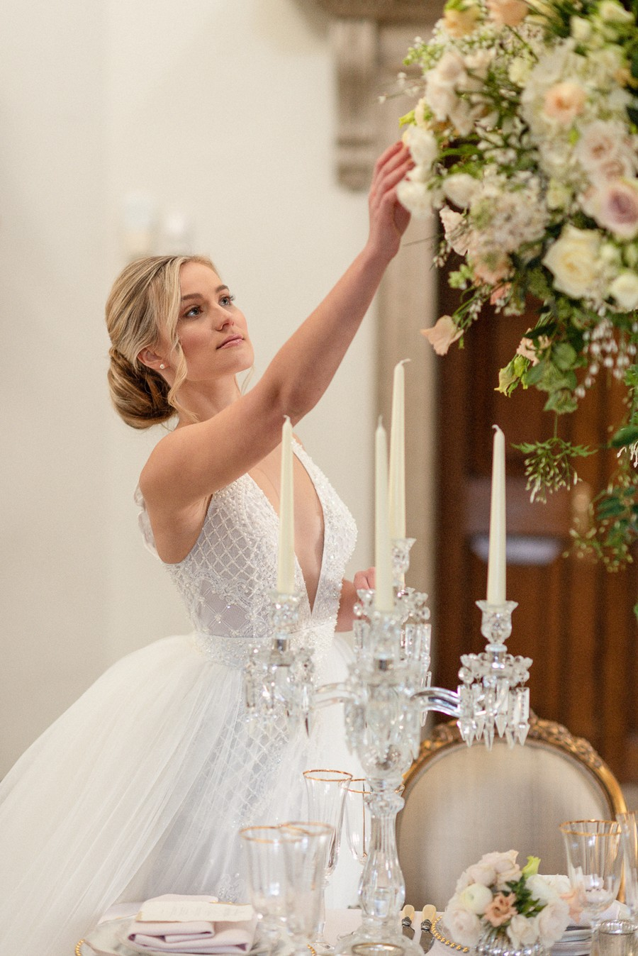 Elegant and graceful luxe wedding style from Chiswick House, photo credit Eva Tarnok Photography (12)