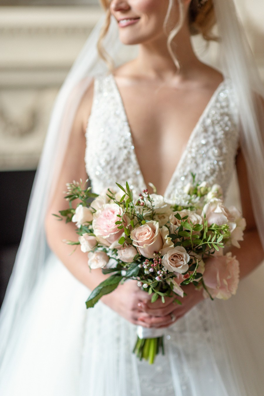 Elegant and graceful luxe wedding style from Chiswick House, photo credit Eva Tarnok Photography (13)