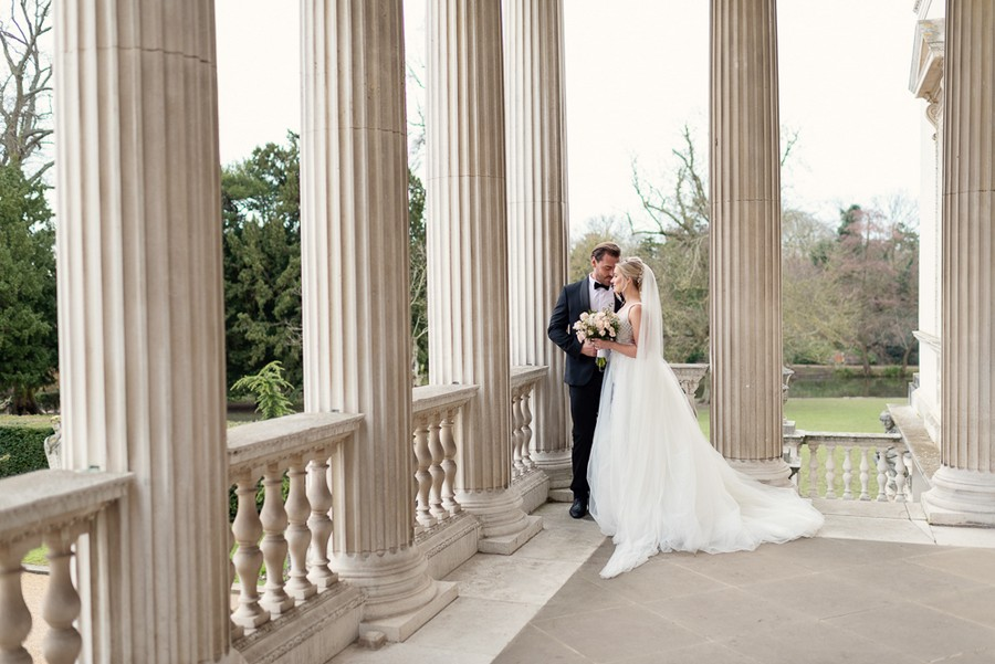 Elegant and graceful luxe wedding style from Chiswick House, photo credit Eva Tarnok Photography (15)