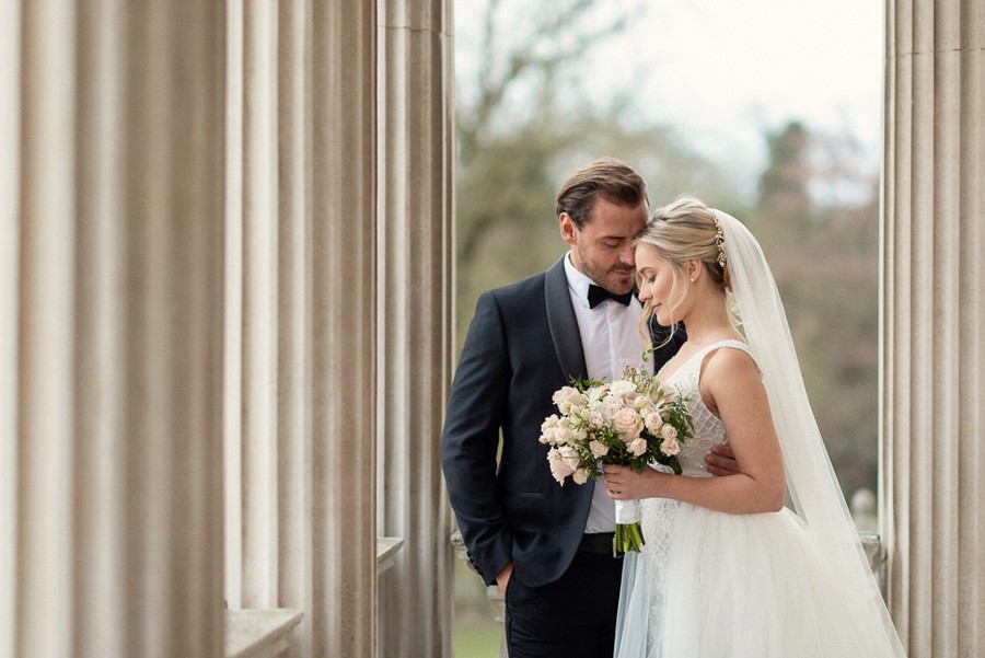 Elegant and graceful luxe wedding style from Chiswick House, photo credit Eva Tarnok Photography (17)