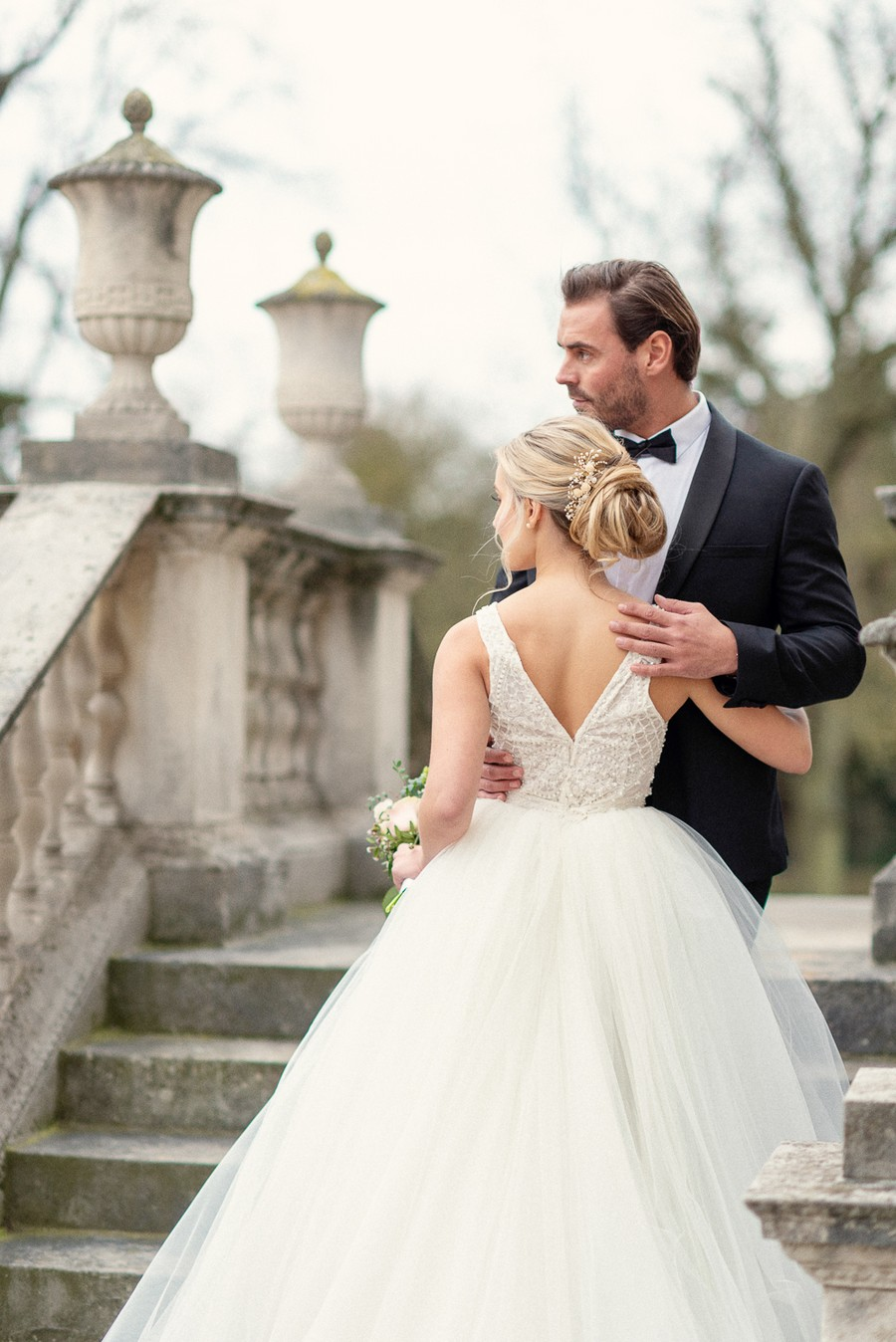 Elegant and graceful luxe wedding style from Chiswick House, photo credit Eva Tarnok Photography (19)