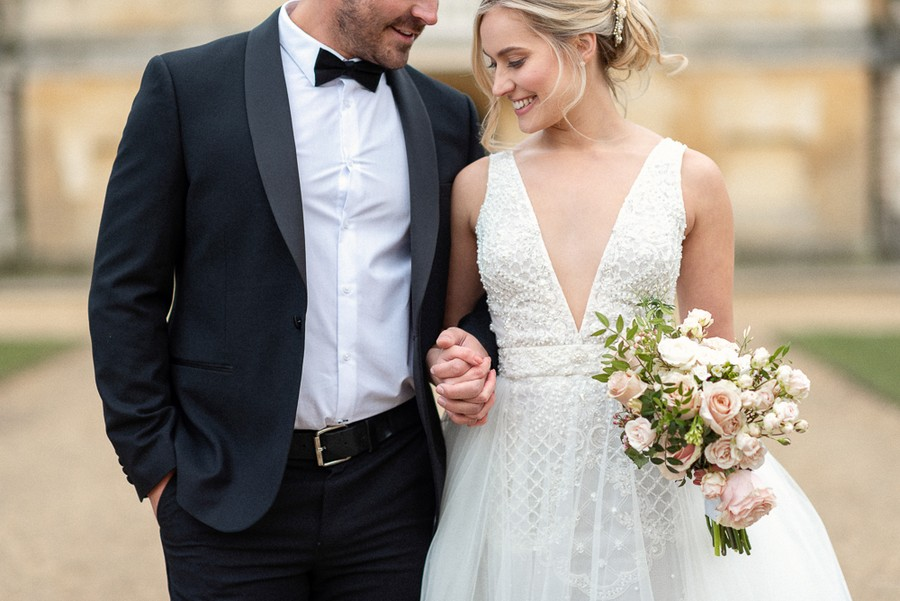 Elegant and graceful luxe wedding style from Chiswick House, photo credit Eva Tarnok Photography (22)
