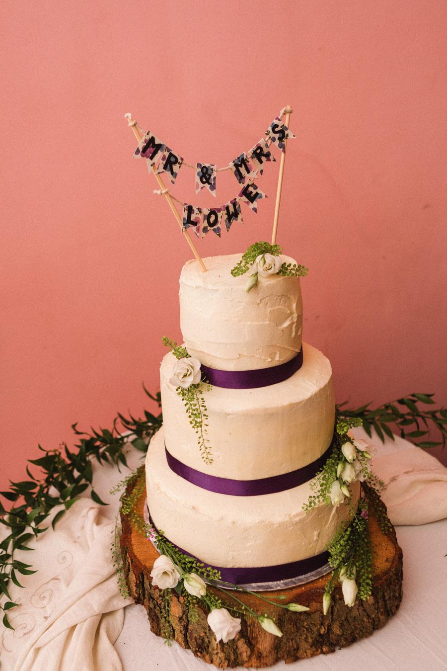 wildflowers wedding in devon, image credit Emma Stoner Photography (23)