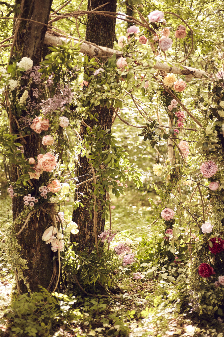 Styled woodland wedding in Sussex, image credit Something Blue Weddings (19)