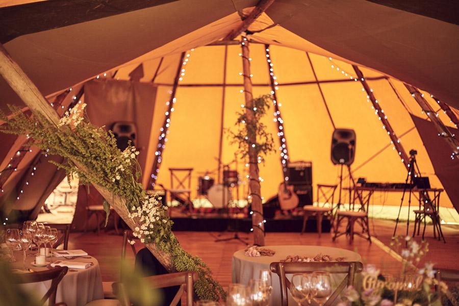 Styled woodland wedding in Sussex, image credit Something Blue Weddings (34)