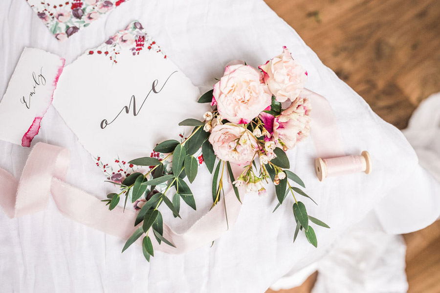 Modern luxe wedding style ideas with images by Laura Jane Photography (31)