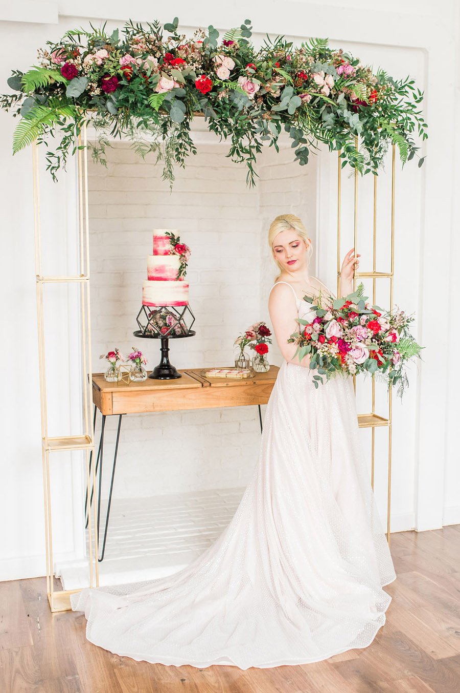 Modern luxe wedding style ideas with images by Laura Jane Photography (22)